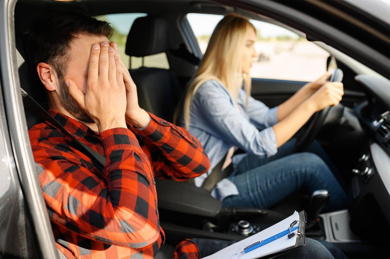 Tipos de faltas del examen práctico de conducir